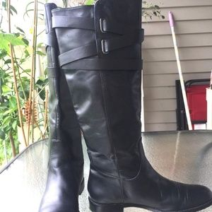 COACH BLACK LEATHER HIGH BOOTS SIZE 7M.
